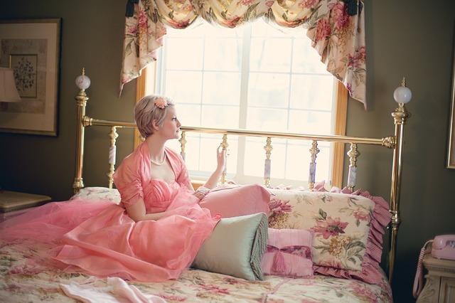 dívka v růžové